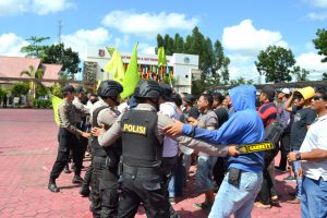 Polres Kutai Timur menggelar Sispamkota dalam rangka persiapan pengamanan Pemilukada serentak tahun 2018