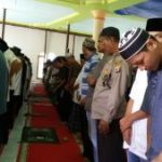 Polsek Sangatta Utara Polres Kutai Timur melaksanakan kegiatan memakmurkan Masjid