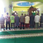 Personel Polsek Bengalon  Polres Kutai Timur melaksanakan gerakan memakmurkan Masjid