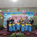 Yayasan TK Kemala Bhayangkari mewisuda siswa/wi lulusan Tahun ajaran 2017-2018