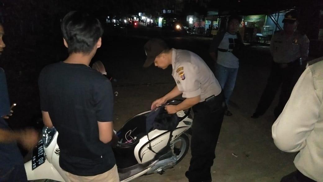 Polsek Sangatta Periksa Gerombolan Pemuda Tengah Malam
