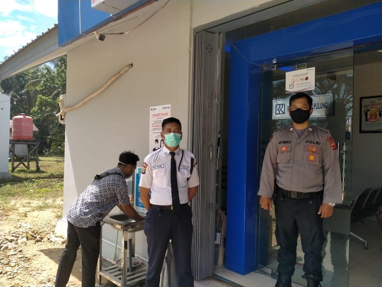Polsek Rantau Pulung Polres Kutim Patroli Bank BRI Unit Rantau Pulung