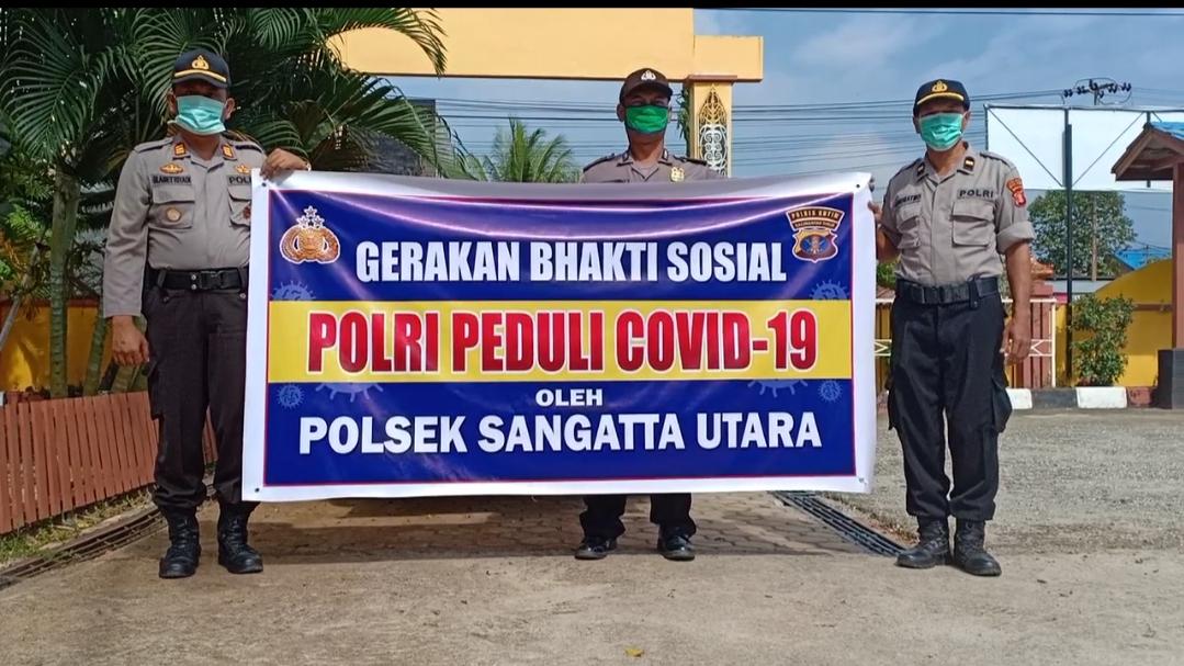 Polsek Sangatta Polres Kutim Bagikan Bantuan Sembako Bagi Warga Terdampak Covid-19