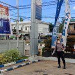 Cegah Covid – 19 Di Tempat Keramaian, Kembali Polres Kutim Lakukan Penyemprotan Disenfektan Di Bank BRI