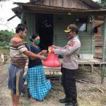 Waka Polres Kutim Kunjungi Buruh Tani, Bagikan Paket Sembako