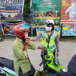 Tekan Angka Laka Lantas, Personil Sat Lantas Polres Kutim Berikan Arahan Tentang Safety Riding