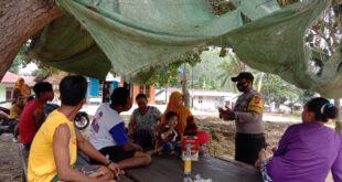 Bhabinkamtibmas Sambangi Masyarakat, Ingatkan Protokol Kesehatan