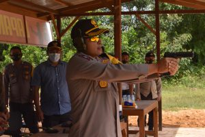 Kapolres Kutim Jajal Lapangan Tembak Polsek Bengalon